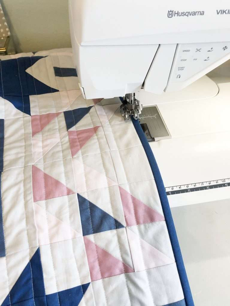 Quilt Binding with your Sewing machine, stitch in the ditch - homemadeemilyjane Learn how to make a Quilt