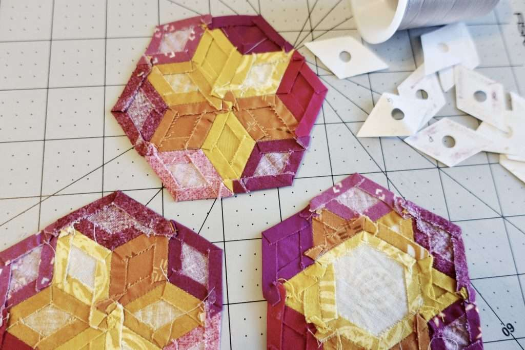 English Paper Piecing quilt block tutorial, learn how to make EPP quilt blocks