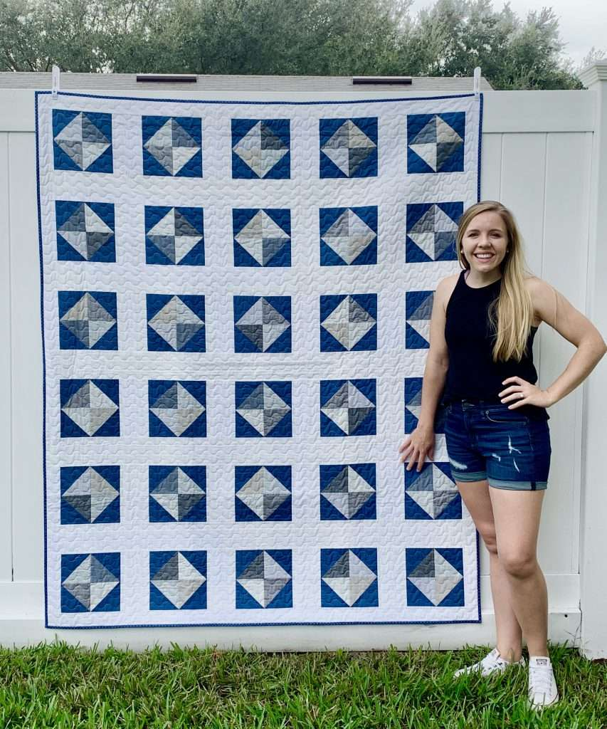 throw size solitaire quilt navy and white