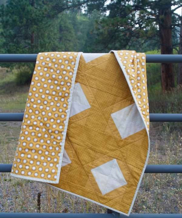 gender neutral easy baby quilt Solitaire pattern