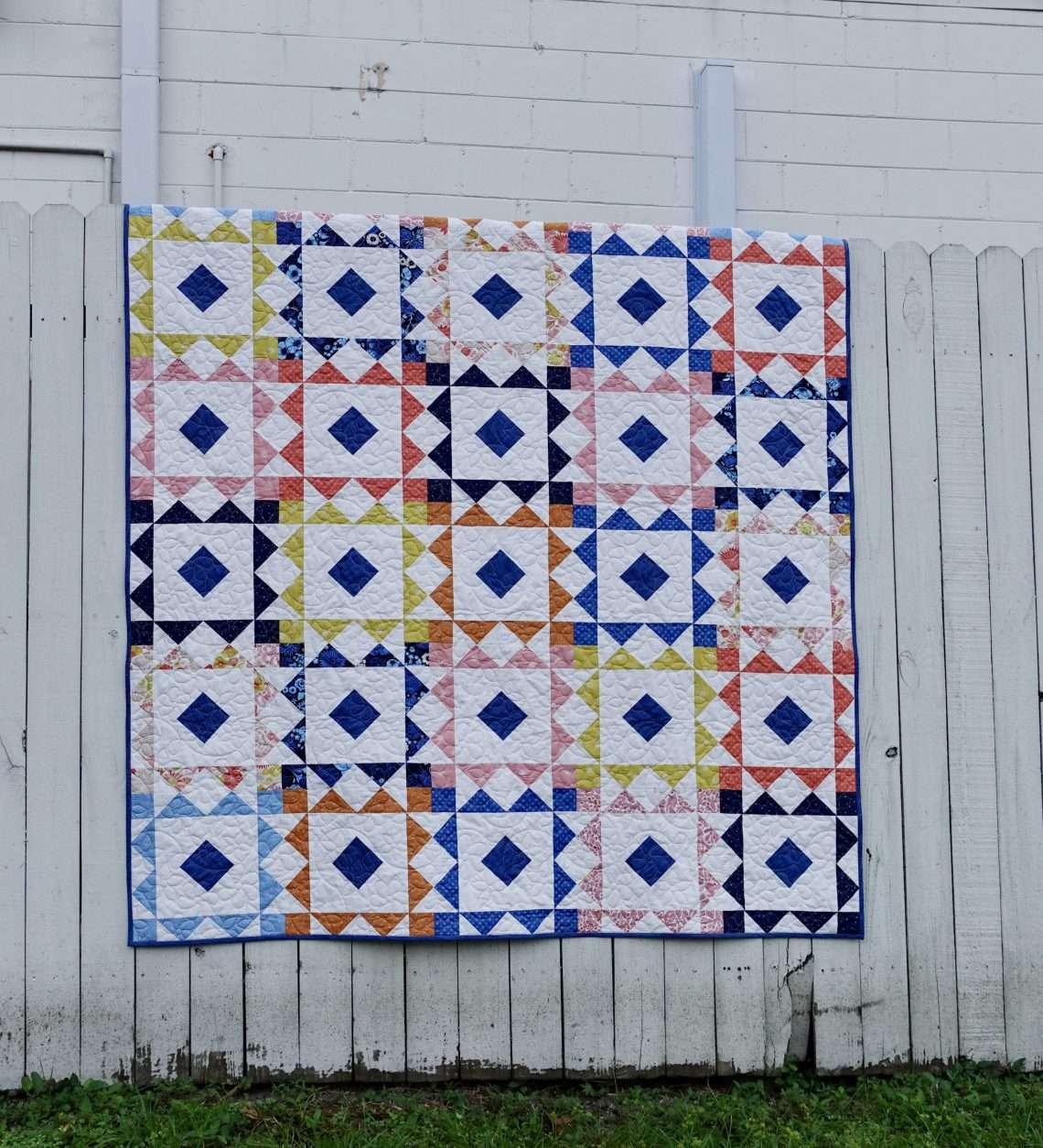 Reverberate modern quilt pattern, fat quarter quilt, brightly colored quilt, flying geese quilt, quilting tutorial, fat quarter fabrics, homemadeemilyjane
