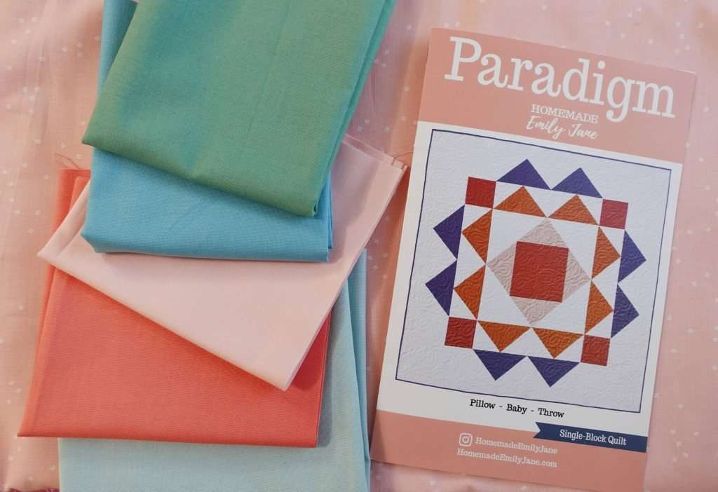 Paradigm pillow size Quilt turned into a tote bag Tutorial - make your own beach bag or grocery tote bag using the Paradigm Quilt Pattern by Homemade Emily Jane